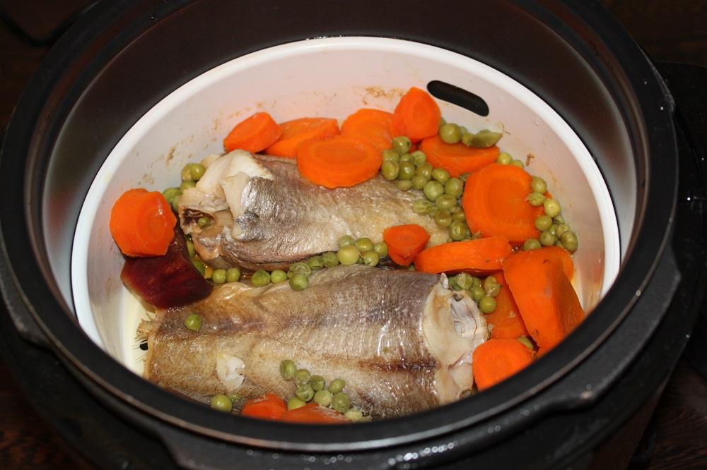 рыба и овощи в мультиварке Mirta