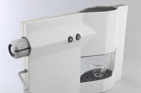 Стройная эспрессо-машина