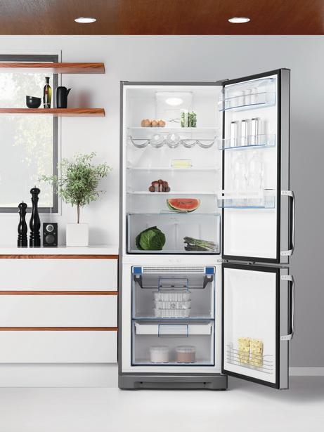 Холодильник Electrolux FreshFrostFree